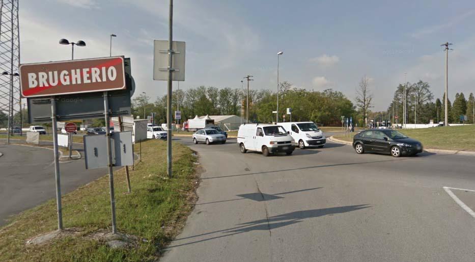 La rotonda di viale Stucchi a Monza al confine con Brugherio