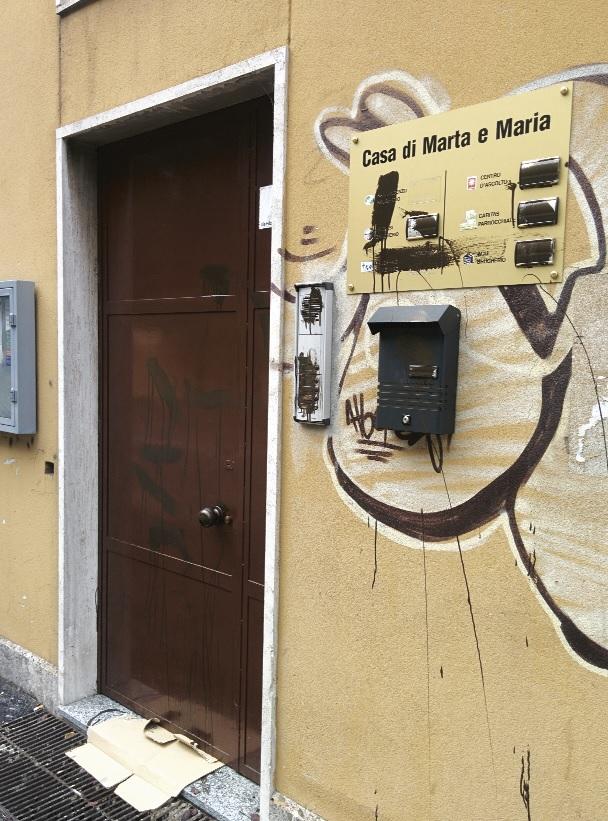 atto-vandalico-casa-di-marta-e-maria